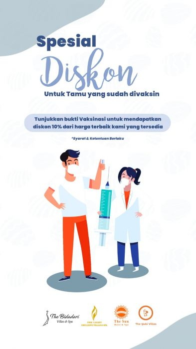 Showing vaccine card to get special discount